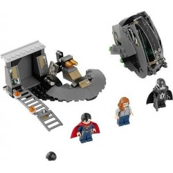 LEGO 76009 Superman: Únik z Black Zero