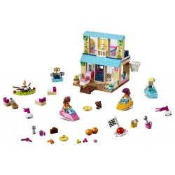 LEGO .10763 .Stephanie a její dům u jezera