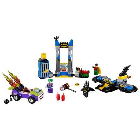 LEGO 10753 .Joker™ útočí na Batcave
